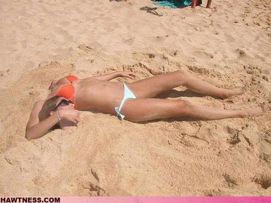 headless beach babe.