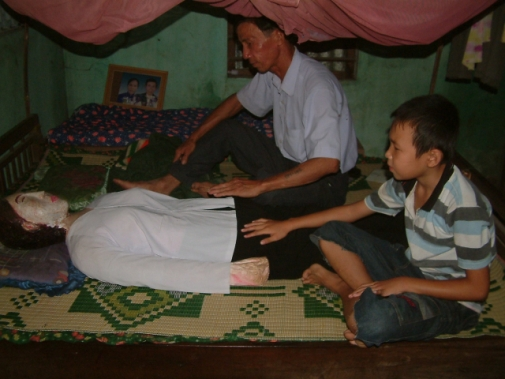 vietnamwife.jpg Man Slept Next To Dead Wife for 5 Years picture