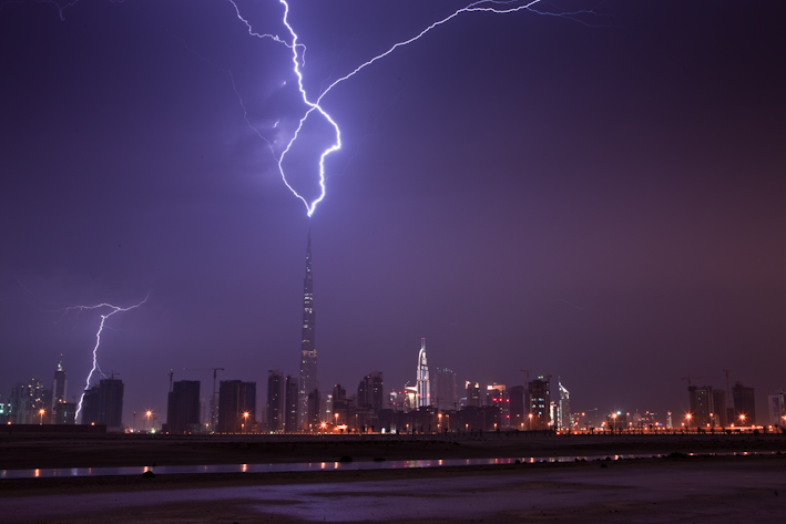 Burj Khalifa Lightning 1 When lightning strikes the tallest building in the world