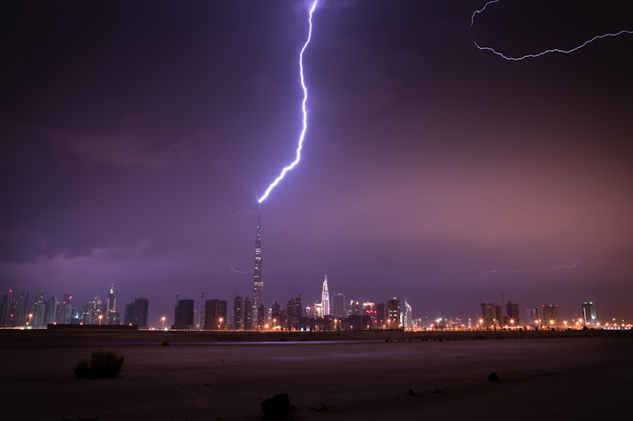 Burj Khalifa Lightning 2 When lightning strikes the tallest building in the world