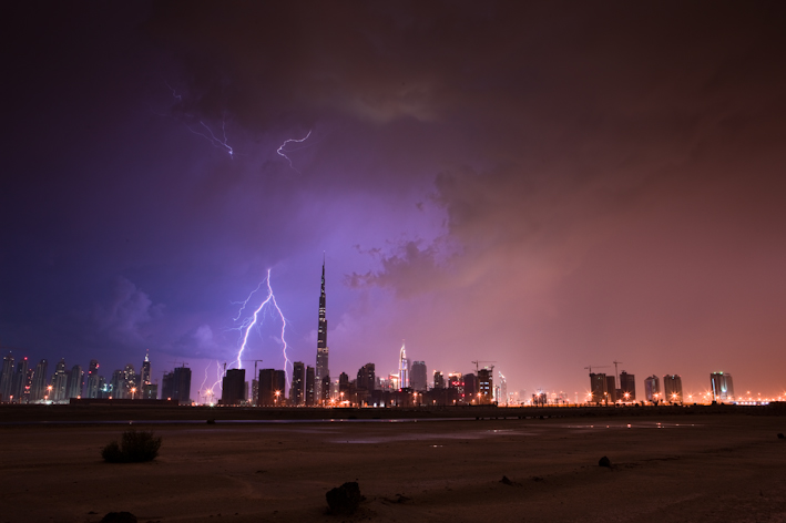 Burj Khalifa Lightning 4 When lightning strikes the tallest building in the world