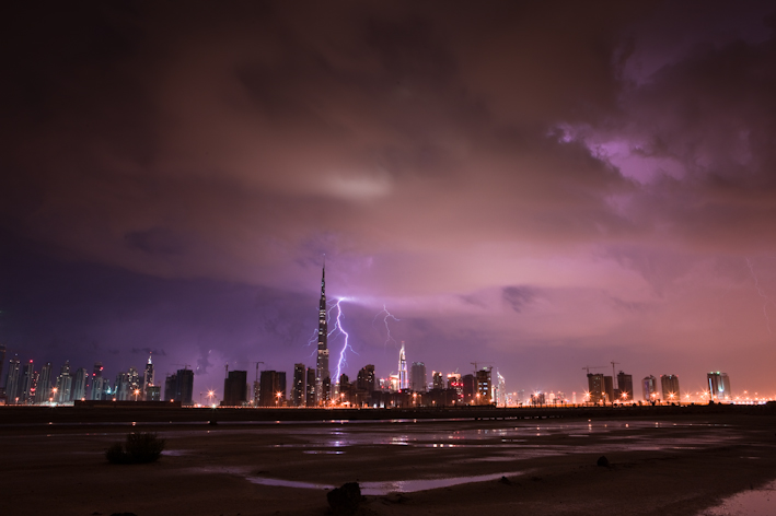 Burj Khalifa Lightning 5 When lightning strikes the tallest building in the world