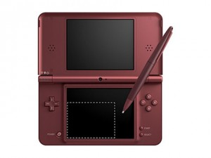 DSi xl 300x225 Nintendo DSi XL Attempts to Compete with Kindle and the Nook
