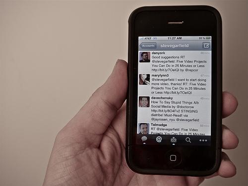 Twitter on an iPhone by Steve Garfield http://www.flickr.com/photos/stevegarfield/4247757731/