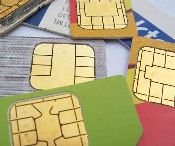 simcards1 Cut your SIM card into a MicroSIM card for the iPad