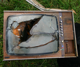 broke tv by schmilblick small The Next Wave of Social Apps Will Change Your TV Forever