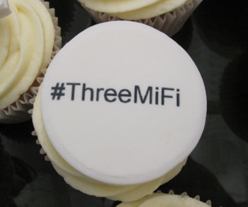 3UK introduces a shiny new 3G to WiFi (MiFi) device