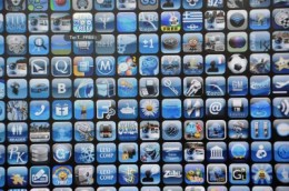 app wall4 260x172 Analyst: 25 billion mobile app downloads a year by 2015