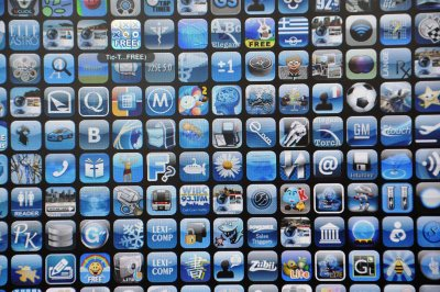 Analyst: 25 billion mobile app downloads a year by 2015