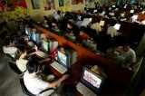 china internet cafe 2006 160x106 China now has 420 million Internet users, 277 million access by mobile phones