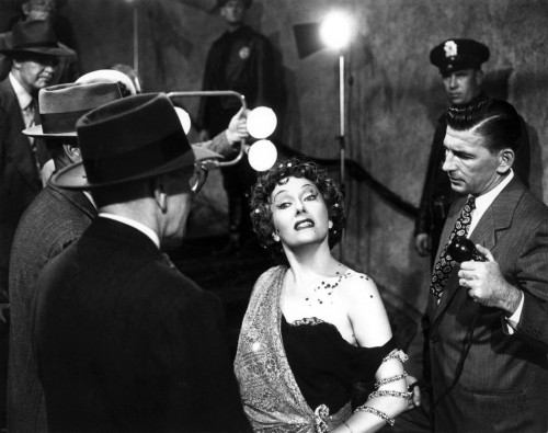 norma desmond 500x395 YouTube gives us all 15 minutes of fame with new 15 minute video limit