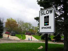 slow iphone 260x198 Apple Launches Official Probe Into iOS4 Slowdowns On iPhone 3G