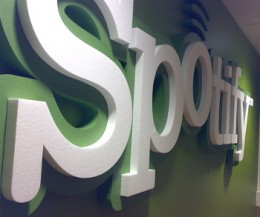 spotify logo by sorosh 260x217 How Spotify plans to keep its 500,000 paying users loyal