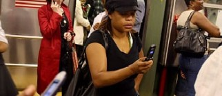 subway_cellphone_thumb