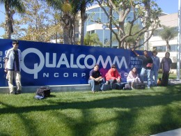Fall 05 Interns in front of Qualcomm 260x195 Innovation Qualcomm 2010