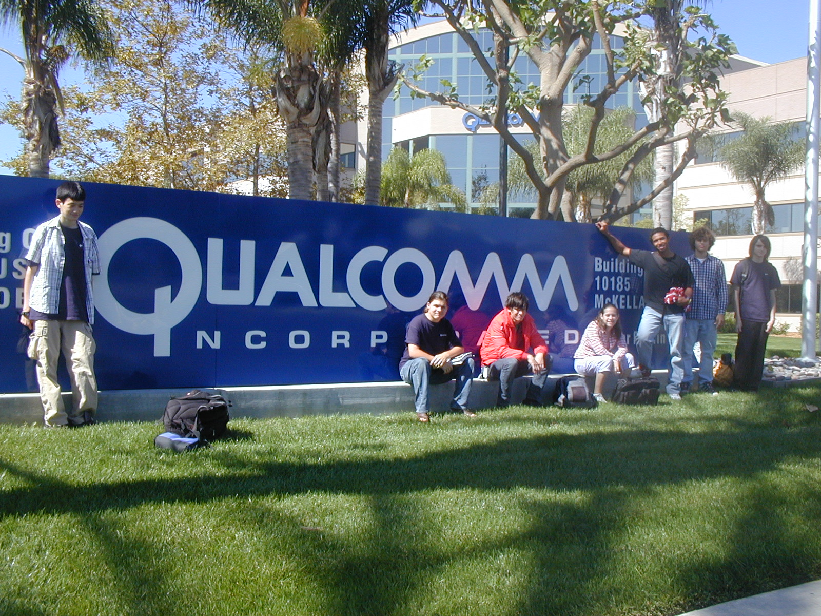 Qualcomm trims about 4,500 jobs and $1.4 billion from books