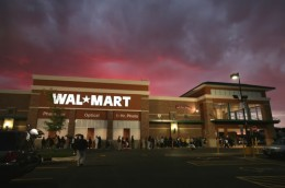 walmart supercenter 260x172 Wal Mart to offer its own branded post paid mobile plan on T Mobile network