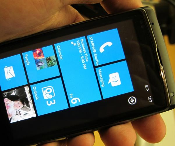 Windows Phone 7 Heads Up Against The iPhone