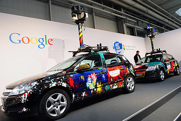 Italian privacy regulators order Google to brand Street View cars
