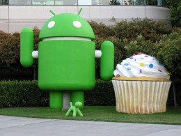 800px android and cupcake 660x495 260x195 Android 2.2 Now Powers A Third Of All Google Phones