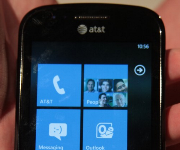 Windows Phone 7 goes 'buy one get one free' on AT&T