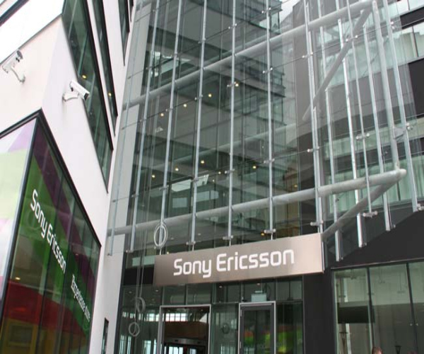 Sony Ericsson X12 gets previewed, looks great but lacks Gingerbread