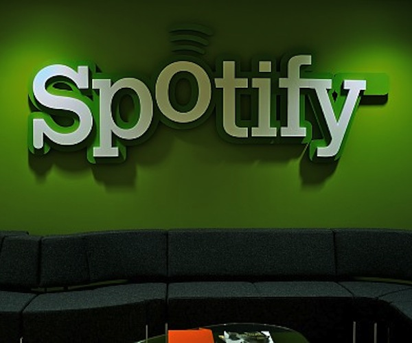 spotify sofa m Spotify losing in UK but profitable in Sweden