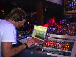 1241124496 richiehawtin laptop 260x196 Traktor Duo: Have an aspiring DJ on your list? Get them playing, for cheap.