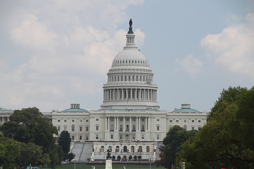 iPad, iPhone and BlackBerry devices to be allowed on Capitol Hill