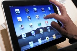AK AJ807 IPADNA G 20100208110726 260x173 Coming in 2011: Touch screens that will touch back as you interact with them