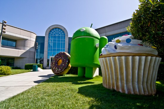 Android Gingerbread ported to Nokia N900, the Swiss Army Knife of phones