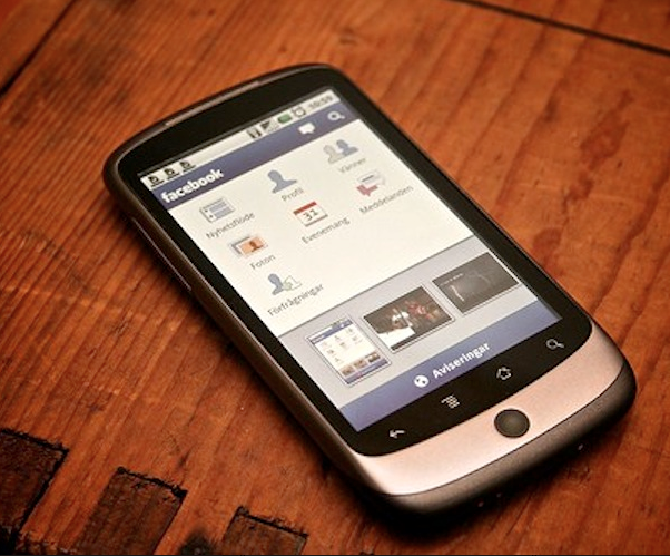 Facebook for Android update brings Chat and push notifications to your pocket