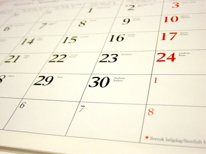 Social media addict? Noise to Signal releases its 2011 calendar for free.