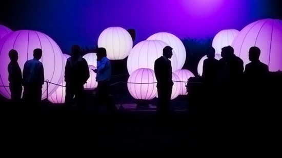 dj011 550x309 DJ Light: A beautiful installation that lets users orchestrate light and sound