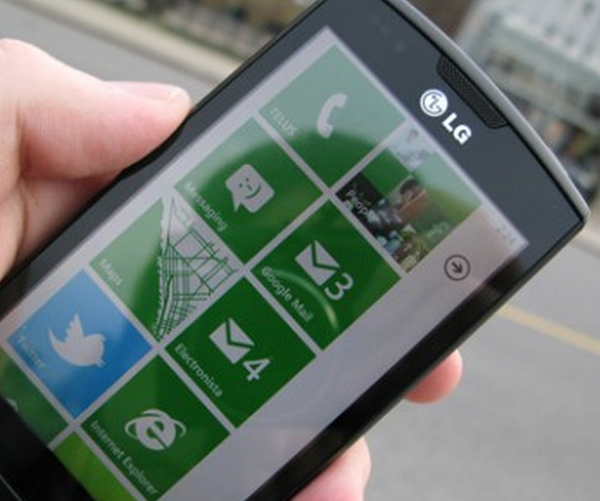 "Microsoft is ""feeling pretty good"" about Windows Phone 7 sales"