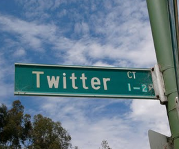 street 260x216 New Chrome plugin brings 165 embed options to Twitters side panel