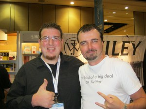 Joe on the left. @Unmarketing on the right.