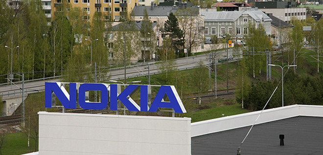 Nokia admits it needs to change faster as marketshare falls