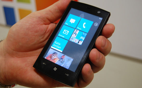 Microsoft to patch Windows Phone 7 unlock exploit with first update