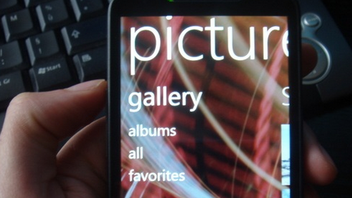 Microsoft wags its finger at hackers porting Windows Phone 7 to Android hardware