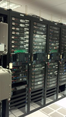 2011 02 24 10 45 16 258 220x391 Exclusive : Inside AT&Ts top secret Network Operations Center (NOC)