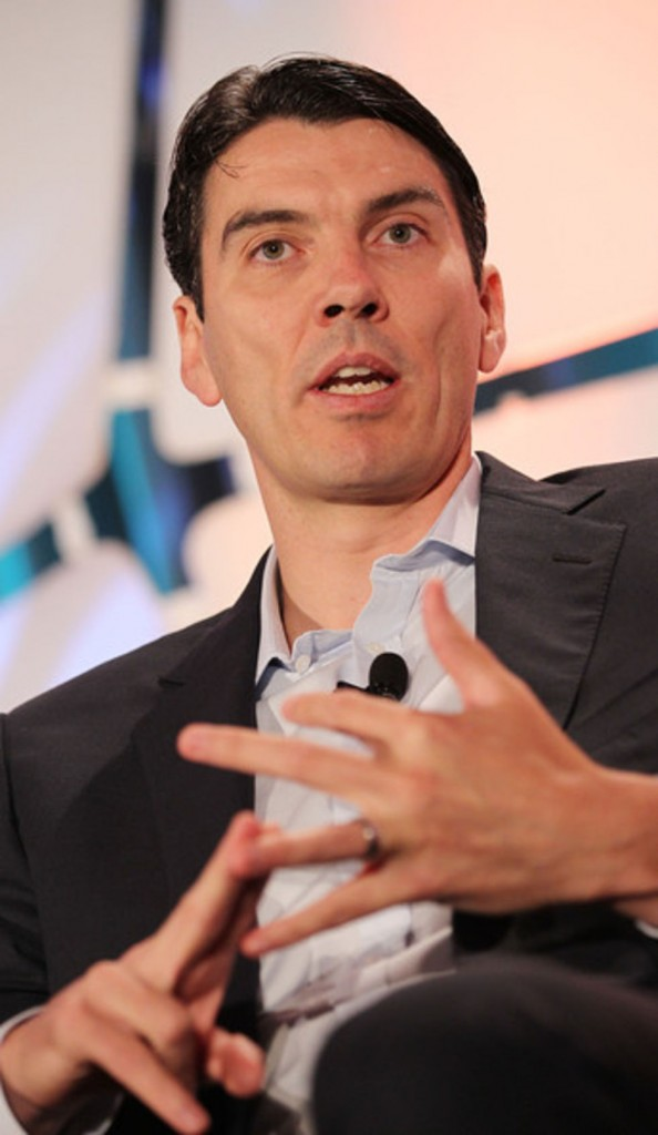 aol ceo tim armstrong speaks at media and technology conference 28 594x1024 Is AOL destroying journalism for page views?