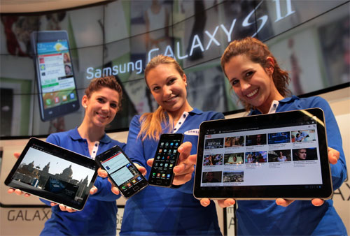 Samsung Galaxy S II and 10-inch Galaxy Tab emerge in official shots