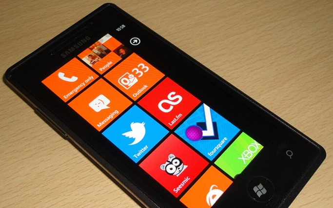 Microsoft apologizes, explains in gritty detail how the WP7 update process works