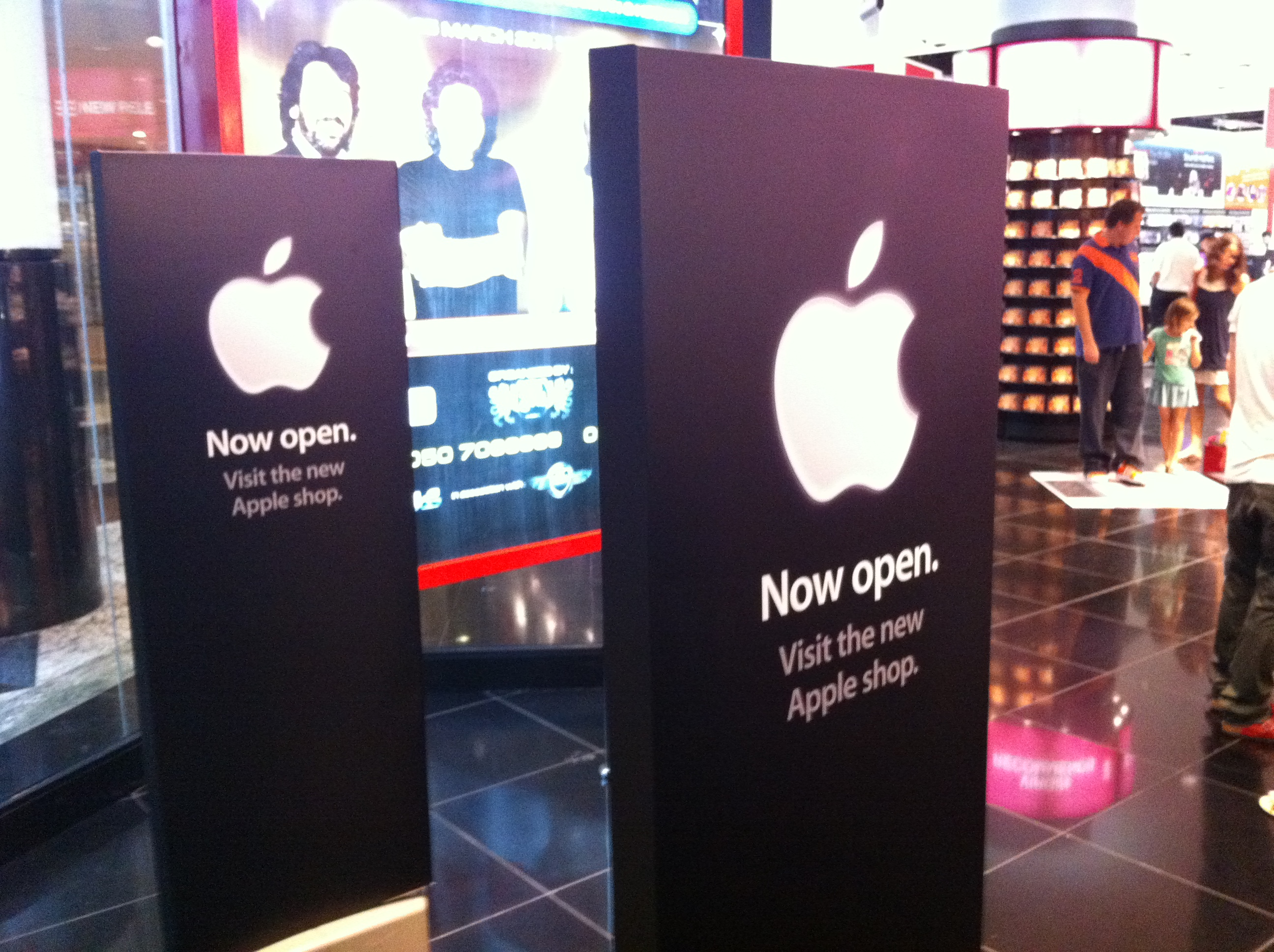 Apple Store Dubai – Very Disappointing