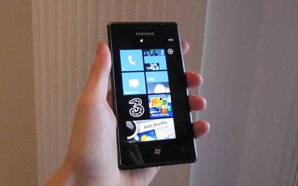 Microsoft resumes Samsung Windows Phone 7 updates