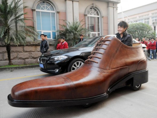 electric shoe 520x390 A Chinese company plans to create 40 electric cars in the shape of giant leather shoes