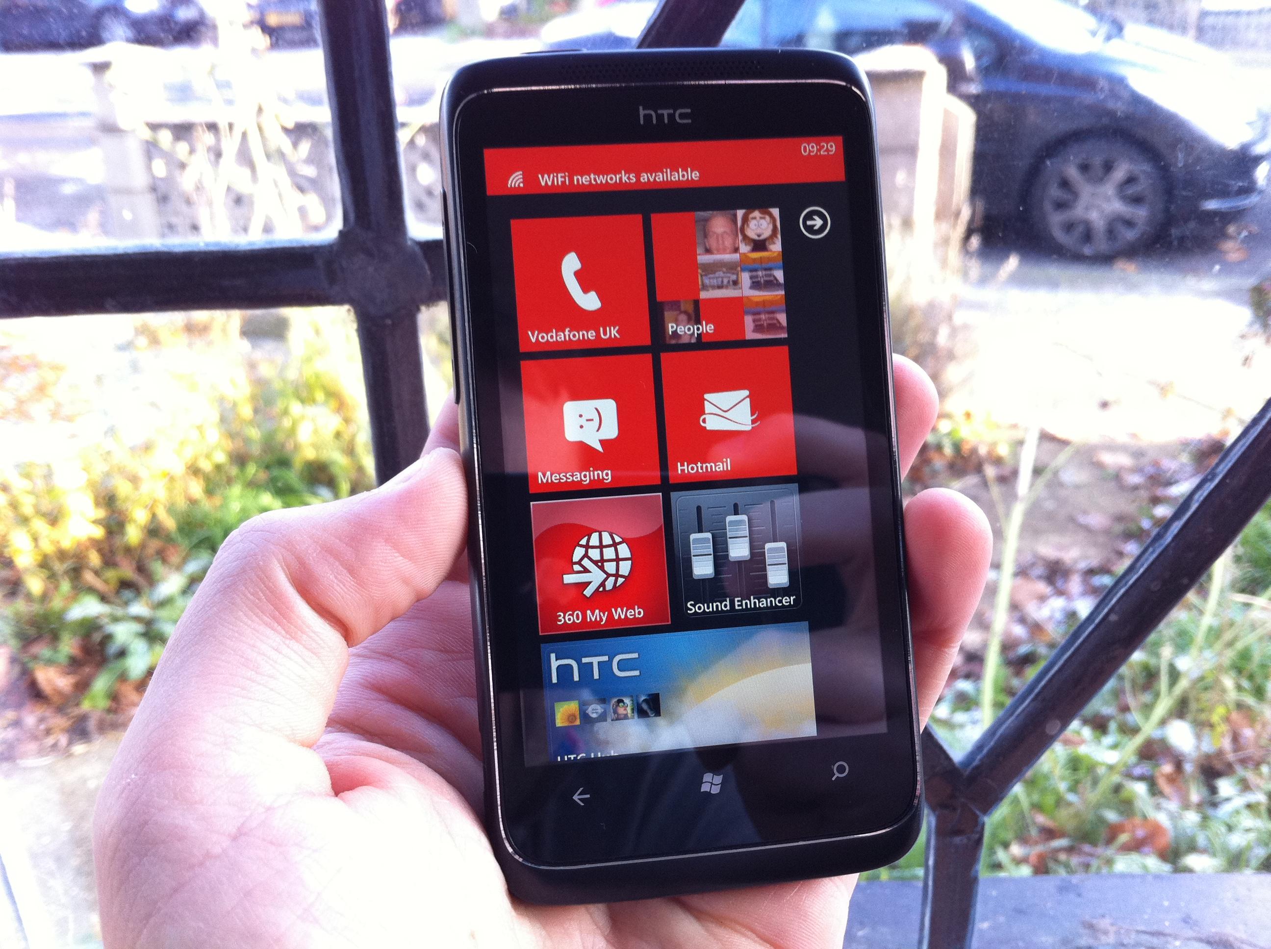 Microsoft's Windows Phone 7 Marketplace surpasses 9,000 apps