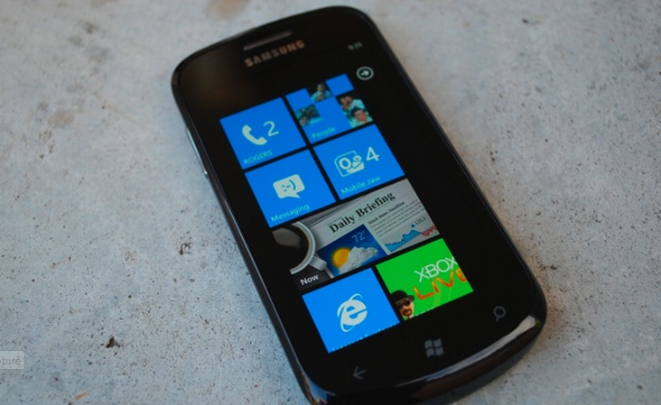 Microsoft explains why users must wait for official WP7 updates
