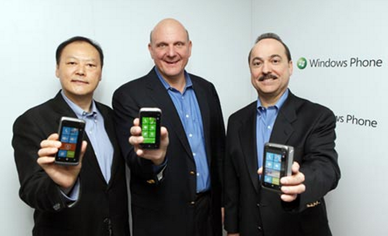 """HTC is """"committed"""" to Windows Phone 7"""